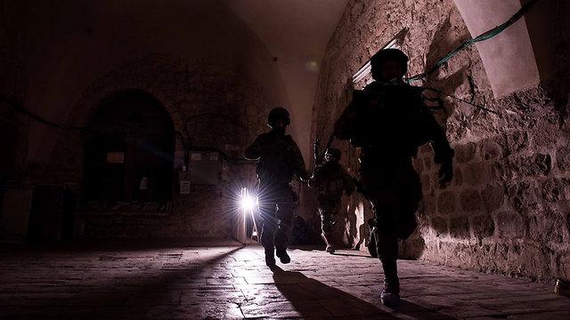 """להכיר כל סמטה בעיר הפלסטינית (צילום: אילן סימקין, דובר צה""""ל) (צילום: אילן סימקין, דובר צה"""