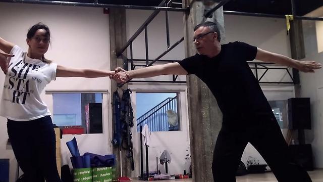 """פרופ' רפי אלדור רוקד עם אנה ארונוב. """"פעם לא הייתי רוקד בחתונות"""". צילום: דן ליאור ()"""