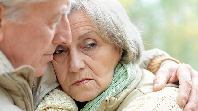 ליקוי שמיעה קשור לדיכאון- בכל גיל (צילום: shutterstock) (צילום: shutterstock)