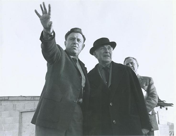 טדי קולק ומארק שאגאל, שיצירותיו מוצגות במוזיאון, 1969 (  )