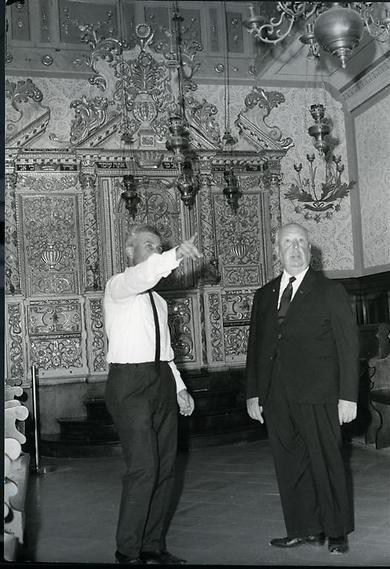 גם אלפרד היצ'קוק בא לבקר, אי שם בשנות ה-60 (  )