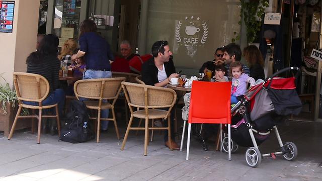 Enjoying a day off in Tel Aviv. (Photo: Motti Kimchi)