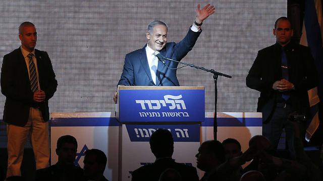 """ראש הממשלה נתניהו, אתמול בערב. """"המציאות לא לוקחת פסק זמן"""" (צילום: AFP)"""