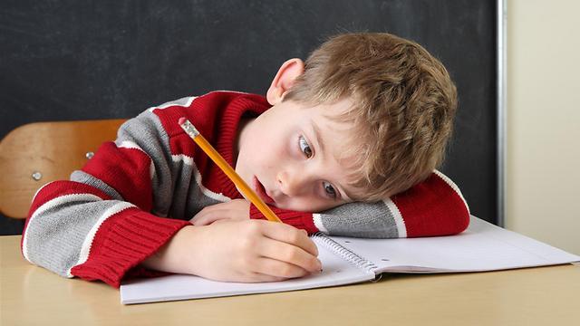 משתעמם מהר מאוד ממה שקורה בכיתה  (צילום: shutterstock) (צילום: shutterstock)