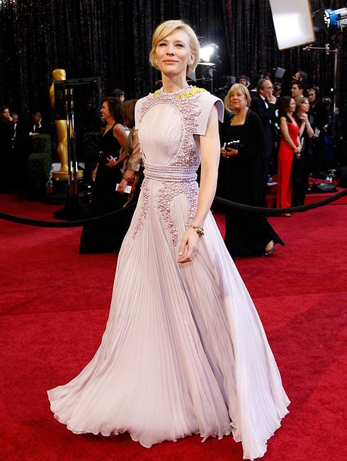 וזאת השמלה של קייט בלנשט מהשטיח האדום (צילום: רויטרס) (צילום: רויטרס)