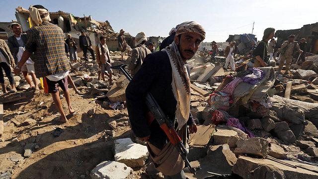 תוצאות התקיפה הסעודית (צילום: EPA) (צילום: EPA)