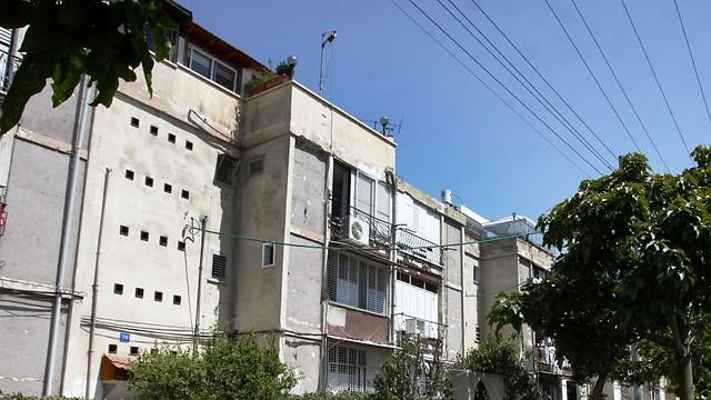 חלק מהבניינים מסוכנים. שכונת רמת אליהו בראשון לציון (צילום: אבי מועלם) (צילום: אבי מועלם)