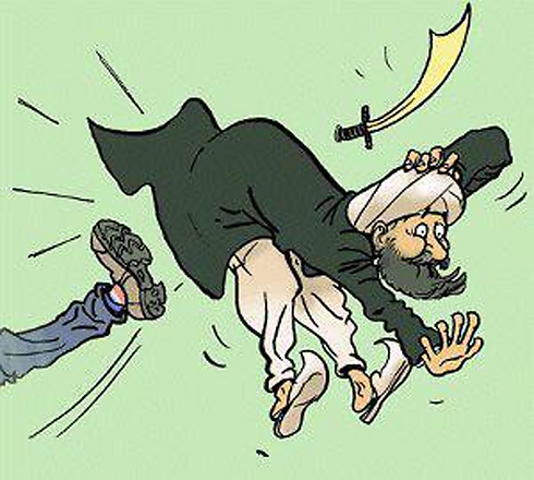 """סעודיה """"בועטת"""" את איראן החוצה מהאזור ()"""