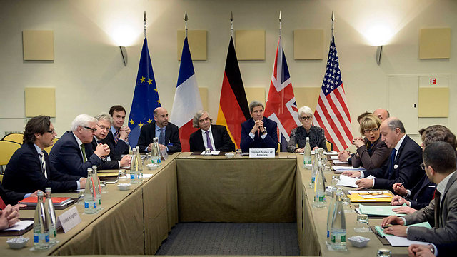 Negotiations in Lausanne (Photo: Reuters)