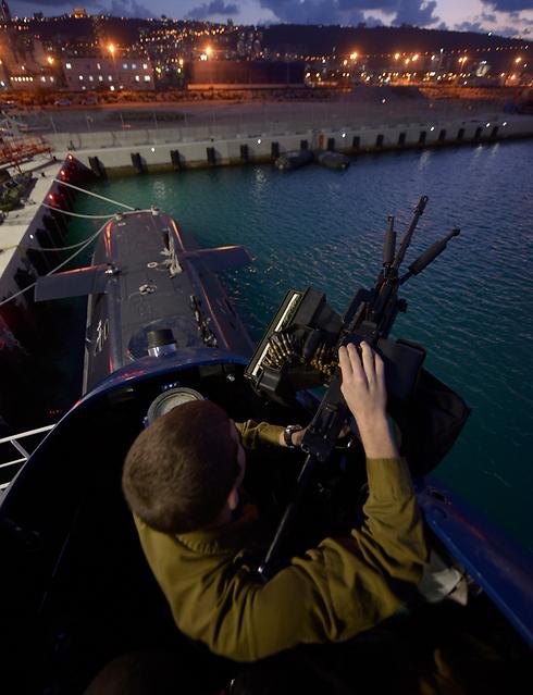 Navy soldier atop Tanin (Photo: IDF Spokesperson's Unit)