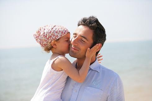 אבא רצה להרשים נשים דרך הטיפול בי (צילום: Shutterstock)