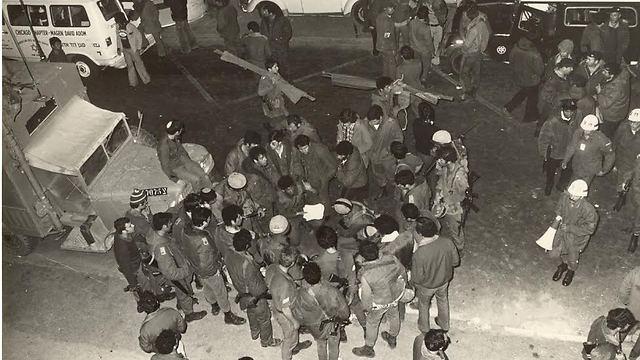 Troops outside the Savoy Hotel (Photo: IDF Spokesman)