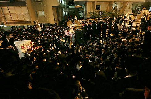רבבות אנשים מלאו את הרחובות (צילום: עידו ארז) (צילום: עידו ארז)