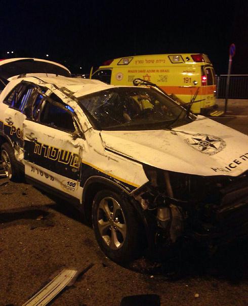 התאונה הקטלנית בירושלים. ניידת התהפכה, שוטר נהרג ()