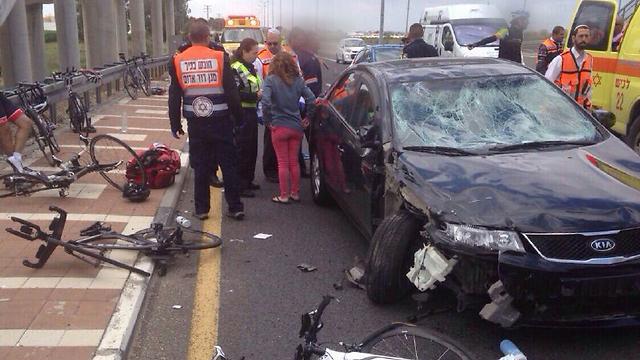 זירת התאונה ליד צומת קסטינה (צילום: חטיבת דובר המשטרה) (צילום: חטיבת דובר המשטרה)