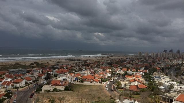Cloudy weather in Ashdod (Photo: Shmuel David) (Photo: Shmuel David)