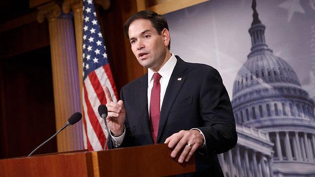 אין לו בעיה עם ספרדית. הסנאטור מרקו רוביו, בן למהגרים קובנים (צילום: AP) (צילום: AP)
