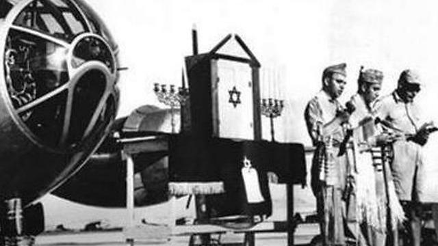הלוחמיםהיהודים בצבאות בזמן מלחמת העולם השניה. ניצחו את הנאצים (באדיבות מוזיאון הלוחם היהודי במלחמת העולם השנייה) (באדיבות מוזיאון הלוחם היהודי במלחמת העולם השנייה)