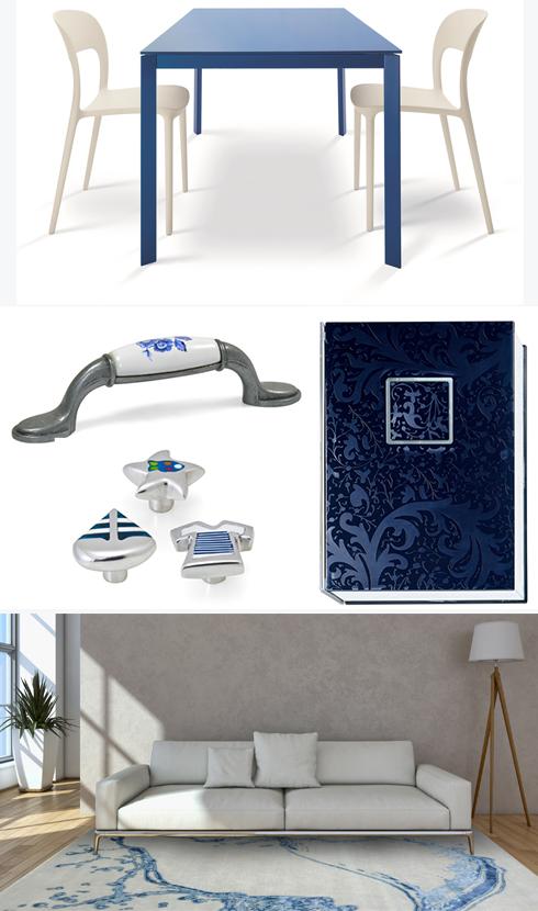חלל מעוצב בכחול-לבן ופריטי טקסטיל ליום העצמאות של דומיסיל, אליתה ליוינג, צמר שטיחים יפים וקמחי תאורה ()