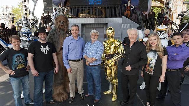 דייב פילוני, ג'ורג' לוקאס וגם C3PO, צ'ובאקה ושאר החברים (צילום: GettyImages) (צילום: GettyImages)
