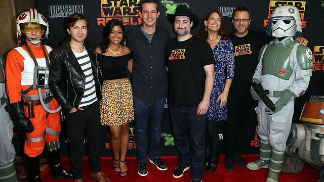 """פילוני (עם כובע הקאובוי) וצוות """"מלחמת הכוכבים: המורדים"""" (צילום: GettyImages) (צילום: GettyImages)"""