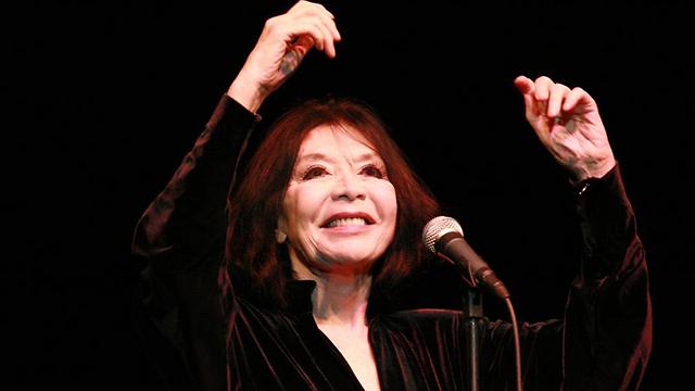 ג'ולייט גרקו. על הבמה בגיל 88 (צילום: איי פי) (צילום: איי פי)