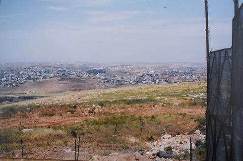 הכפרים הלבנונים ארנון ונבטיה למרגלות הבופור ()