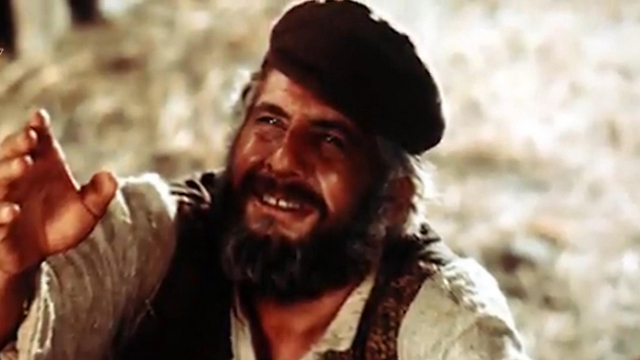 Haim Topol famously starred in Fiddler on the Roof (Photo: Orot)