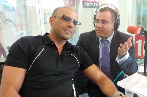 אלי יצפאן ואייל גולן במהלך השידור (צילום: אורי דוידוביץ') (צילום: אורי דוידוביץ')