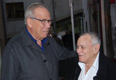 Eilat (R) with  Steff Wertheimer (L) (Photo: David Einav)