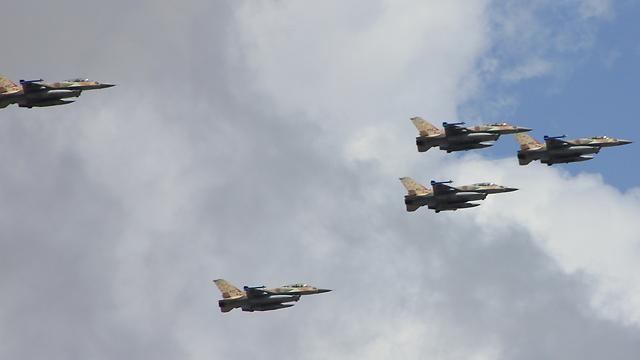 F-16 A של חיל האוויר (צילום: פאדי גבר)
