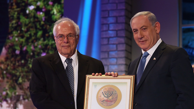 Prof. Eshhar receiving the Israel Prize om 2015. One of the people responsible for an immense breakthrough. (Photo: Gil Yohanan)