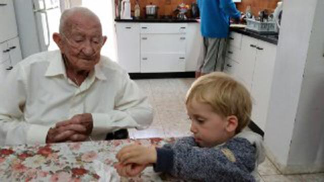 וינשטיין עם נינו, מיכאל (צילום: ענת וינשטיין אוסלקה) (צילום: ענת וינשטיין אוסלקה)