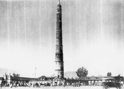 גרסתו הראשונה של המגדל, תחילת המאה הקודמת