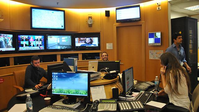חדר המצב במשרד החוץ (צילום: עפר מאיר) (צילום: עפר מאיר)