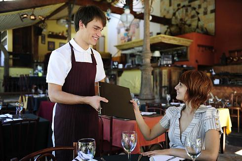 גם המעסיק וגם העובד יכולים להרוויח (צילום: shutterstock) (צילום: shutterstock)