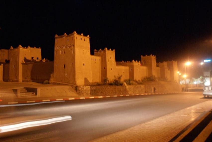 אתר צילום מבוקש. העיירה וארזאזאט (צילום: אלפרד תאומים)