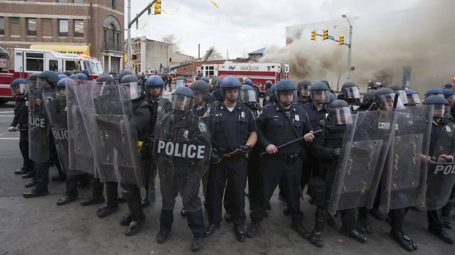 Police forces in Baltimore (Photo: EPA)