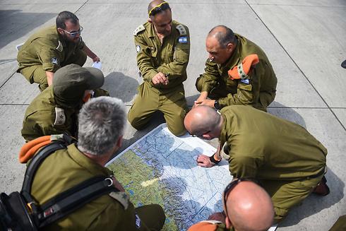 IDF team plans Nepal mission (Photo: IDF)