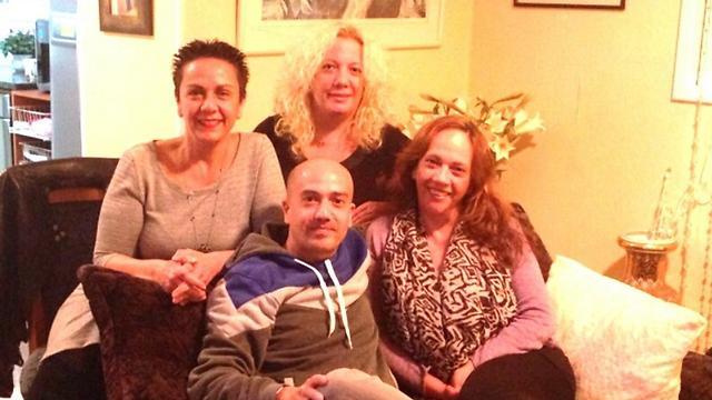 משפחת יוספי. בשורה העליונה מימין: שרון ונילי. בשורה התחתונה מימין: איילת ומני ( ) ( )
