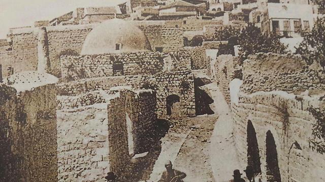 """צפת במאה ה-19. רעידת אדמה קטלנית ב-1837 (צילום: אחיה ראב""""ד)"""