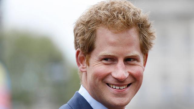 """""""טמנתי את ראשי בחול"""". הנסיך הארי (צילום: AP) (צילום: AP)"""