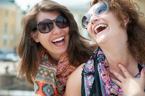 חשוב להיות שמחים (צילום: Shutterstock) (צילום: Shutterstock)