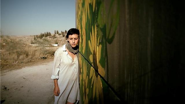 """שרה אדלר ב""""בורג"""" (צילום: אסף שניר) (צילום: אסף שניר)"""
