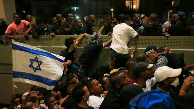 מחאת יוצאי אתיופיה בתל אביב. ארכיון  (צילום: ירון ברנר) (צילום: ירון ברנר)