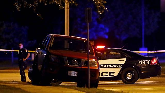 הרכב של החשודים, חשש שמכיל מטען (צילום: רויטרס) (צילום: רויטרס)