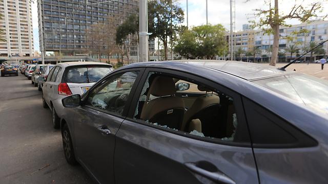 שמשות של מכוניות נופצו במהלך ההפגנה (צילום: ירון ברנר) (צילום: ירון ברנר)