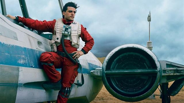 """אוסקר אייזק כפו דמרון. ברוך בואך ל""""מלחמת הכוכבים"""" (צילום: Vanity Fair) (צילום: Vanity Fair)"""