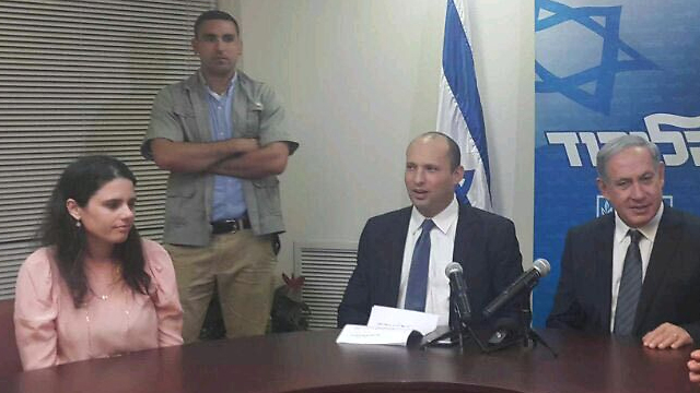 Netanyahu makes late night deal with Bayit Yehudi's Bennett and Shaked.