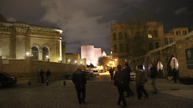 באקו בלילה (צילום: בילי פרנקל) (צילום: בילי פרנקל)